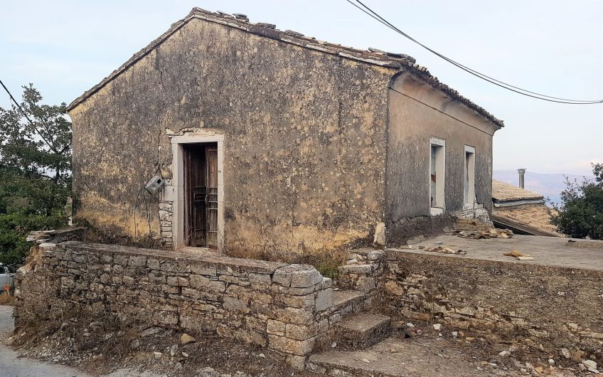 Stone house in Rou