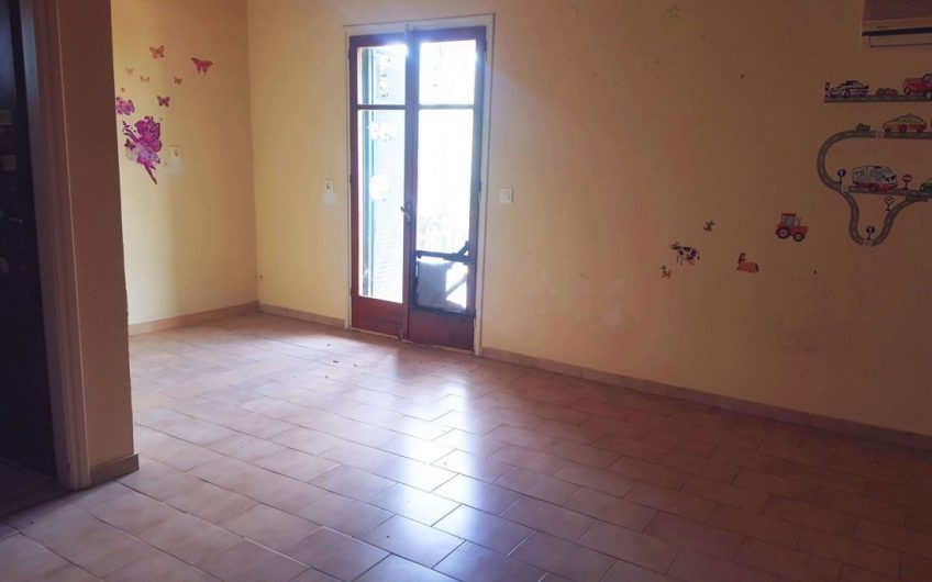 Two shops and a spacious flat for sale in Roda